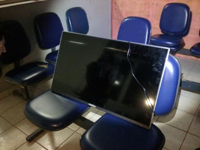 Clinica de saúde tem televisor furtado em Chapecó