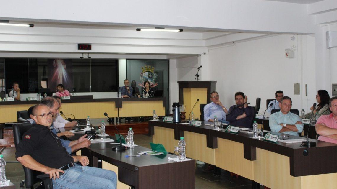 Vereadores cobram da Casan solução para falta de água em Chapecó