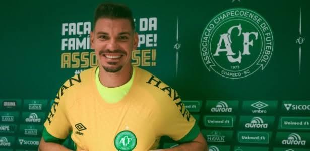 Goleiro João Ricardo da Chapecoense é flagrado no antidoping