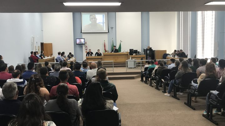 Inicia julgamento do vereador de Chapecó acusado de tentativa de homicídio contra sete pessoas