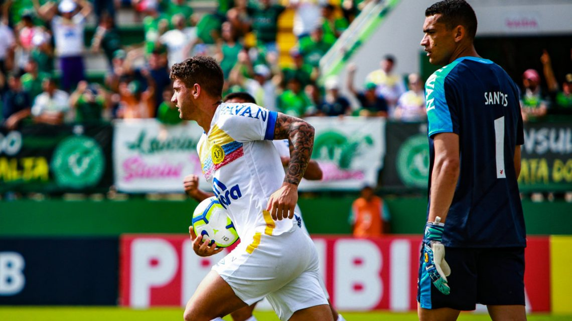 Em jogo equilibrado, Chapecoense busca o empate na Arena Condá