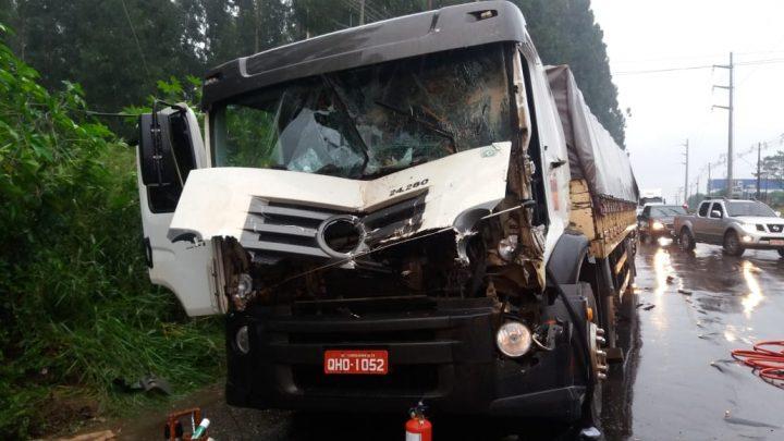 Acidente na Leopoldo Sander deixa 02 pessoas feridas em Chapecó