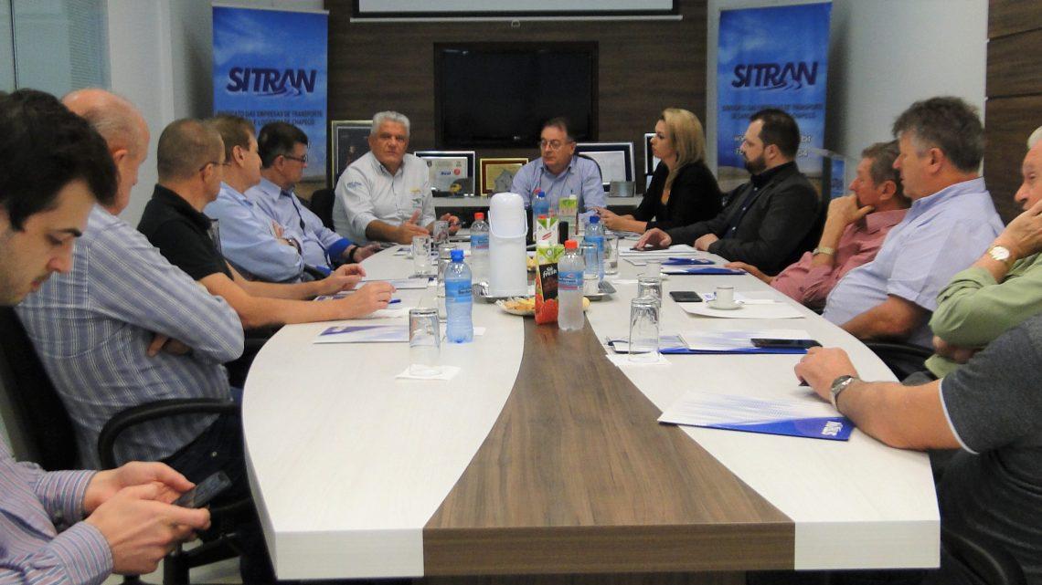 Transportadores se reúnem com o presidente da FETRANCESC