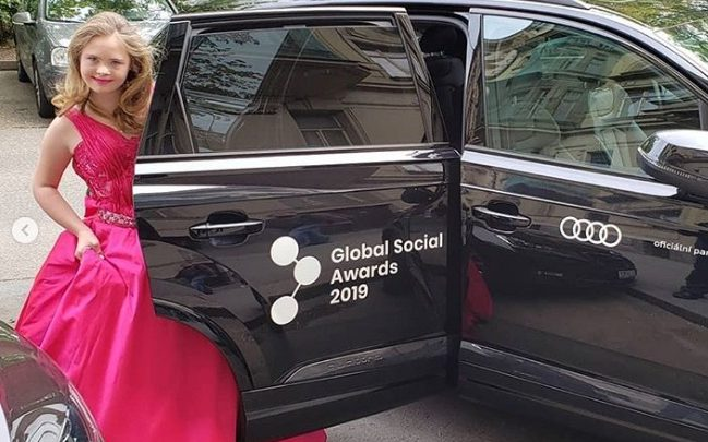 Georgia Furlan, modelo catarinense com síndrome de down, representa o Brasil em concurso mundial