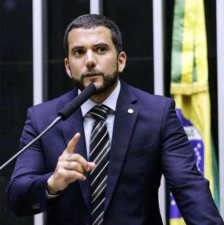 """Deputado do PSL protocola projeto """"lei Neymar da Penha"""""""