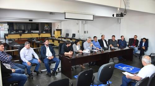 Vereadores de Chapecó anunciam redução de gastos
