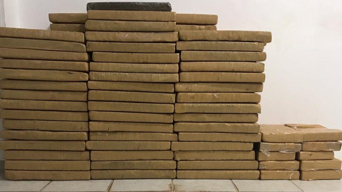 PM e PRF apreendem 202kg de maconha em Chapecó