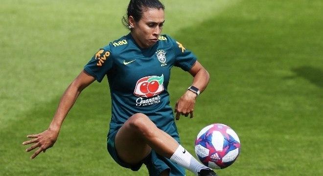 Brasil terá Marta recuperada e volta de Formiga para superar a França