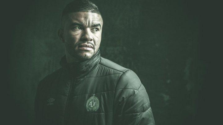 Chape anuncia contratação do zagueiro Maurício Ramos