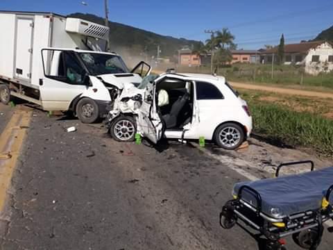 Pai e filha morrem após acidente na BR-470