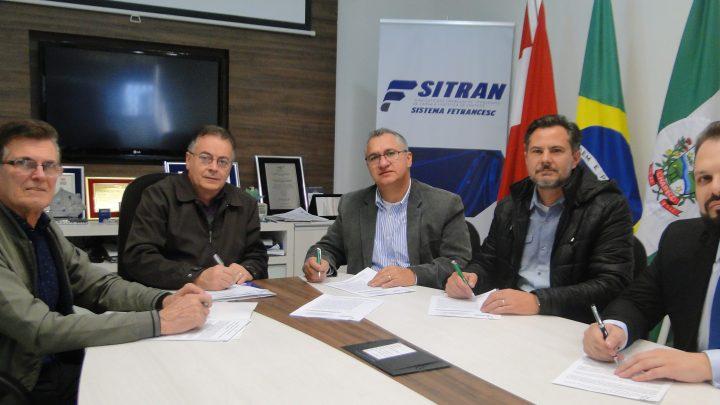 Sitran assina convenção coletiva com sindicatos e federação dos movimentadores de mercadorias