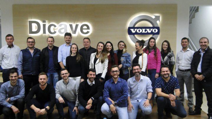 COMJOVEM promove visita técnica e reunião na Dicave Volvo