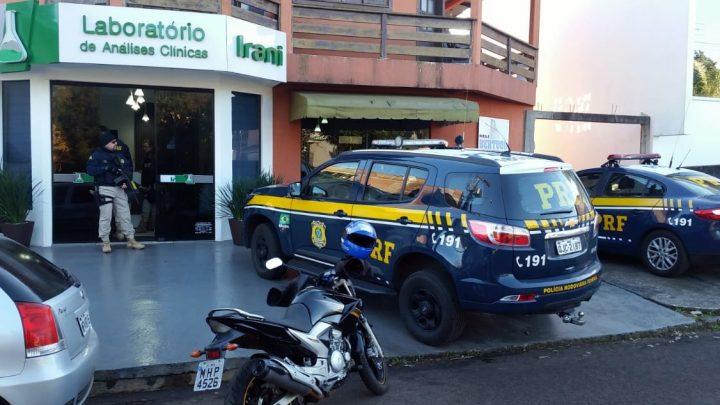 Operação Flamel – PRF apoia ação do Ministério Público Federal e cumpre mandados de busca e apreensão no oeste de SC