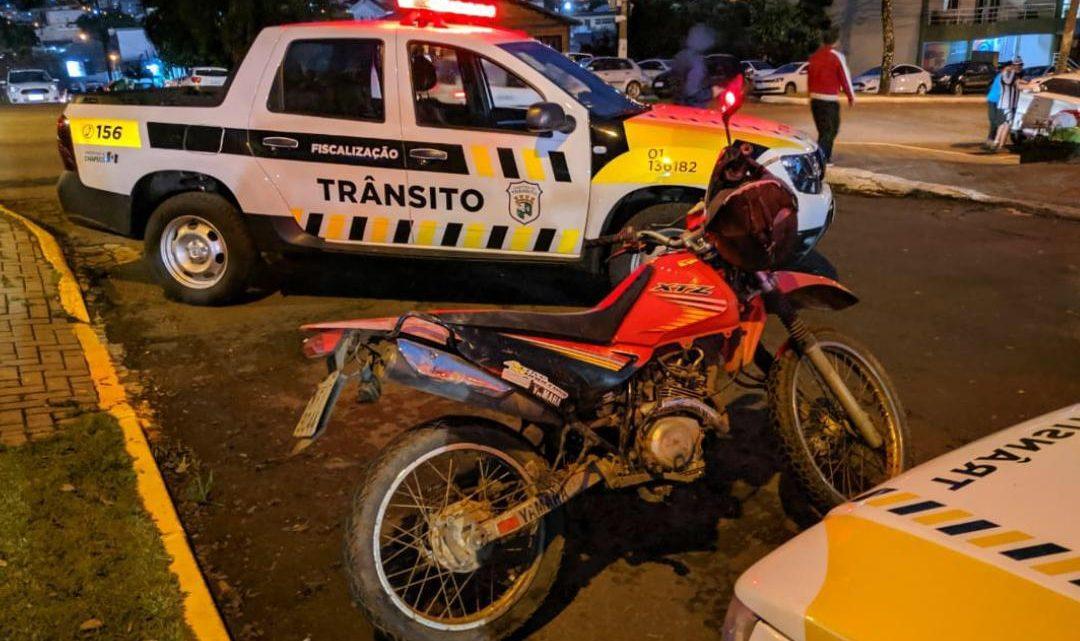 Agentes de trânsito recuperam motocicleta menos de três horas após seu furto em Chapecó