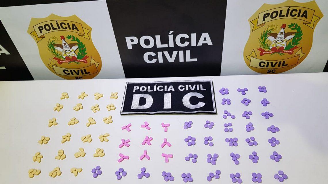 Polícia Civil faz uma das maiores apreensões de ecstasy do ano e prende dois homens por tráfico em Chapecó