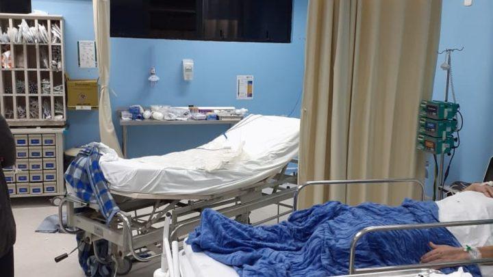 Lutador preso em SC usa sangue para se soltar de algema, quebra teto de hospital e pula janela; FOTOS