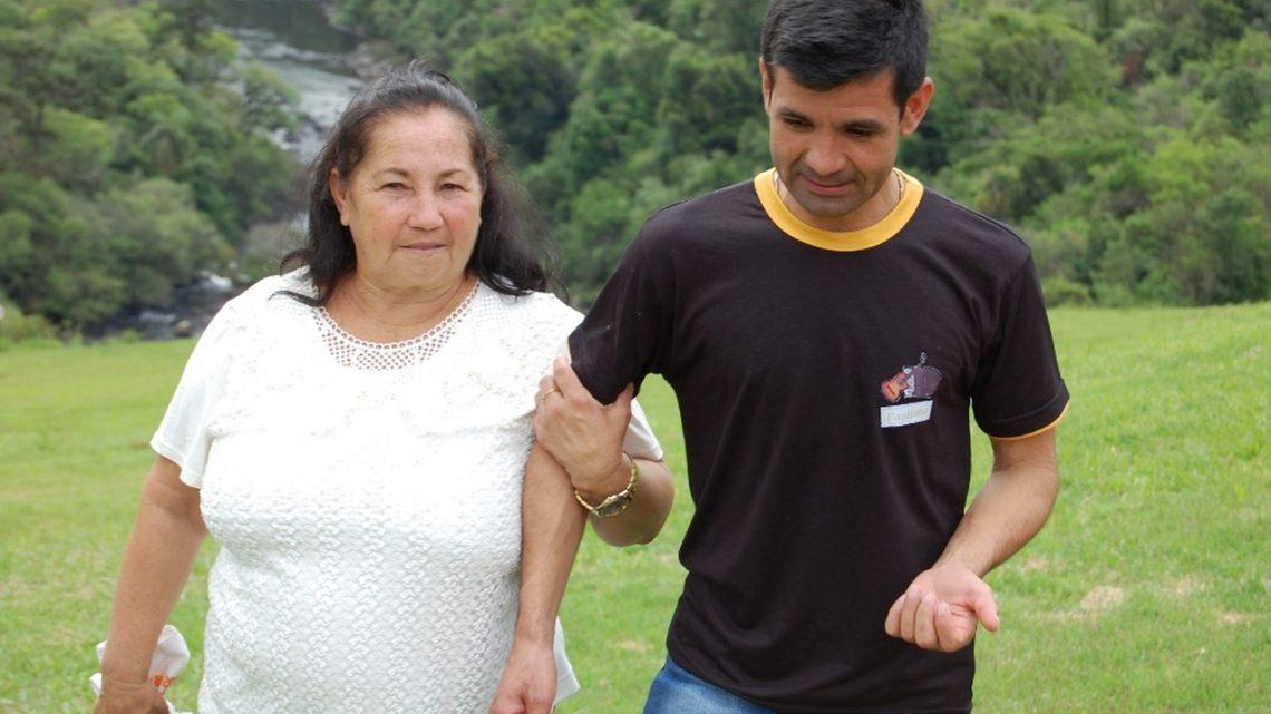 Após 36 anos separados mãe e filho se reencontram em Abelardo Luz