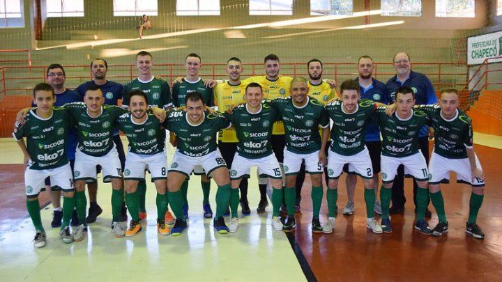 Chape Futsal vence e avança de fase nos play-offs