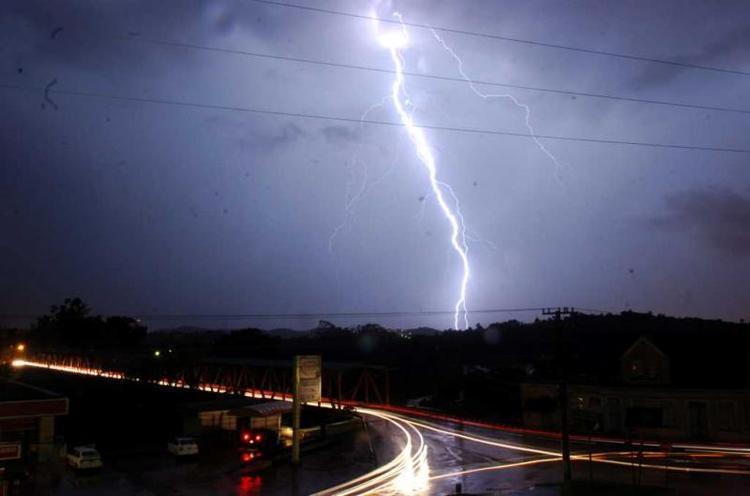 Previsão indica risco de temporais com granizo e ventos de até 90 km/h em SC nos próximos dias