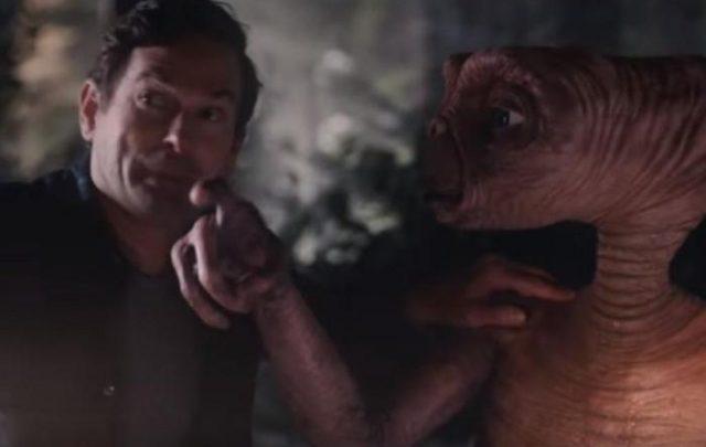 Vídeo – ET e Elliot se reencontram em comercial emocionante após 37 anos