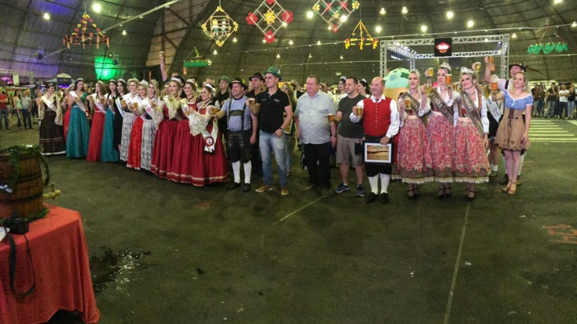 Oktoberfest acontece até amanhã em Chapecó