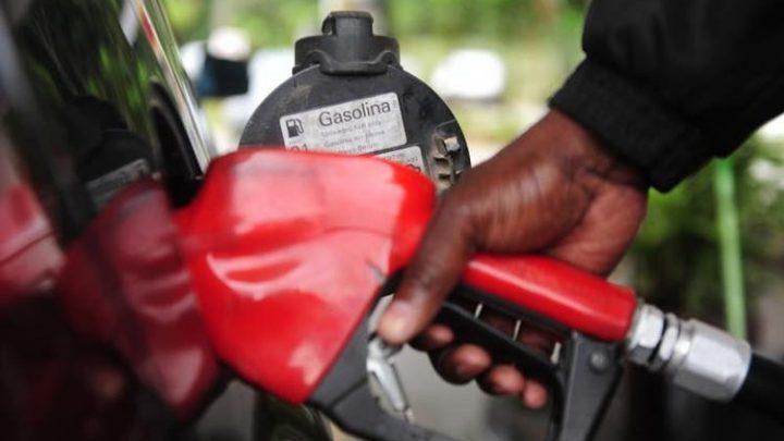 Gasolina pode chegar a R$ 5 em SC, analisa sindicato dos postos de combustíveis