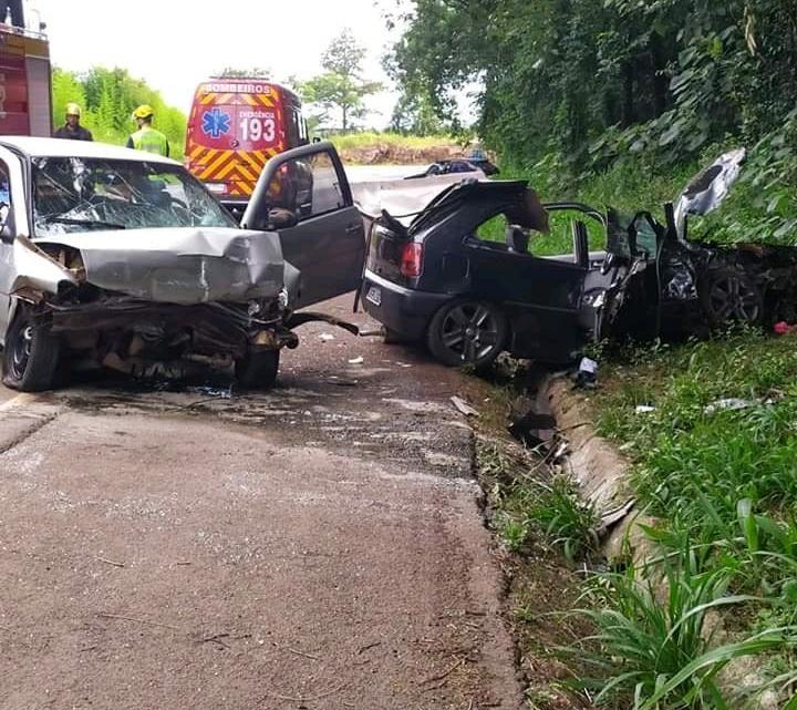 Acidente entre 4 carros deixa 11 feridos em Pinhalzinho