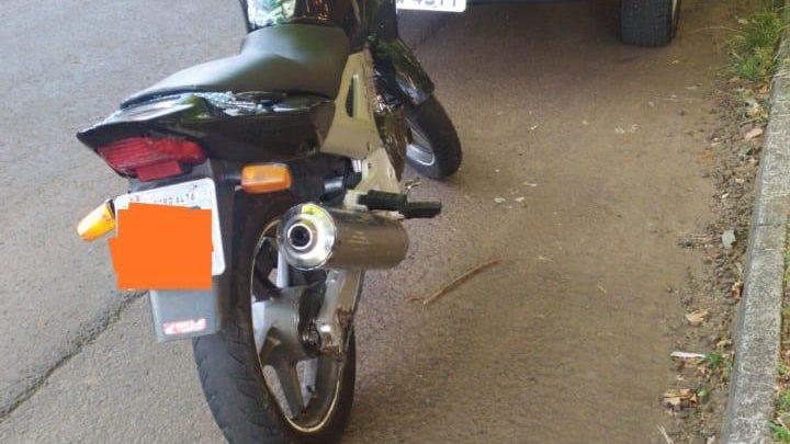 Agentes de trânsito recolhem moto com débitos no valor de R$ 10.315,86