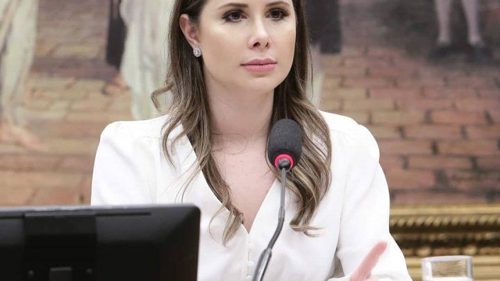 Deputada Caroline De Toni anuncia empenho de recursos para três municípios da Amosc