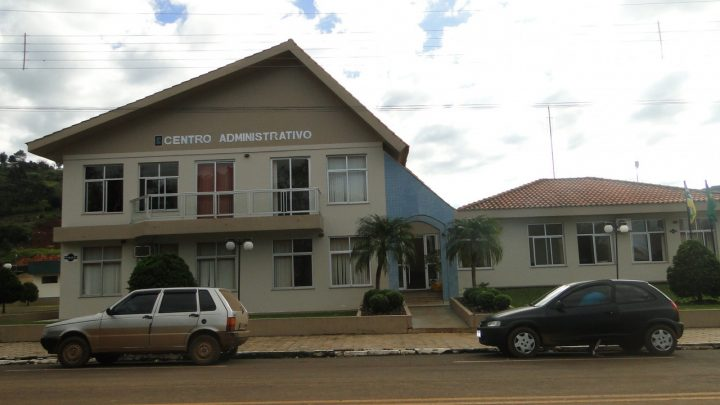 Ex-prefeito e ex-secretário de Saltinho são condenados por improbidade
