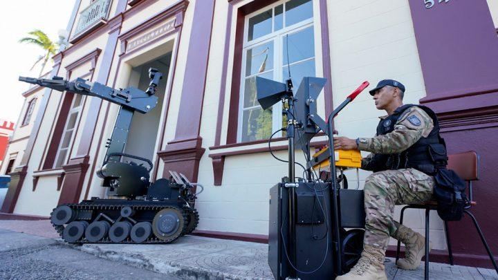 Polícia Militar de Santa Catarina recebe robô antibomba do Governo Federal