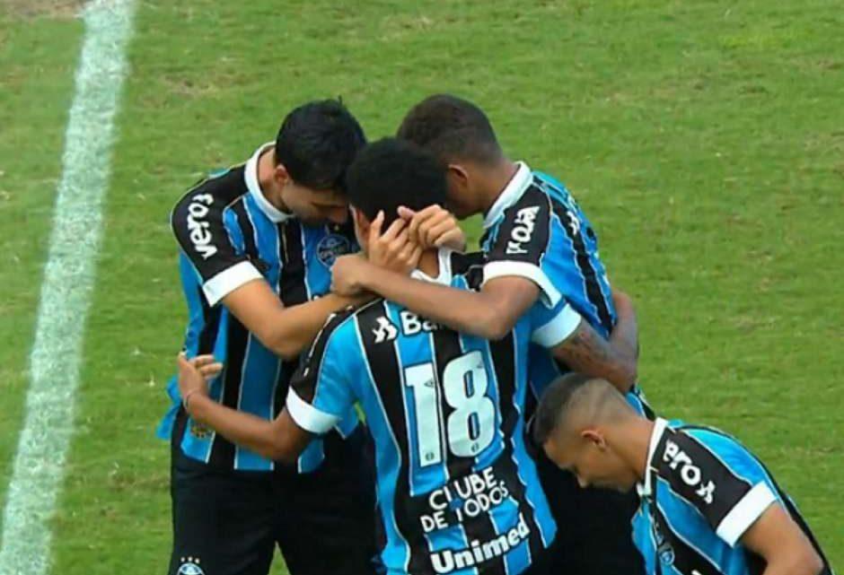 Grêmio goleia a Chapecoense e garante vaga às oitavas da Copinha