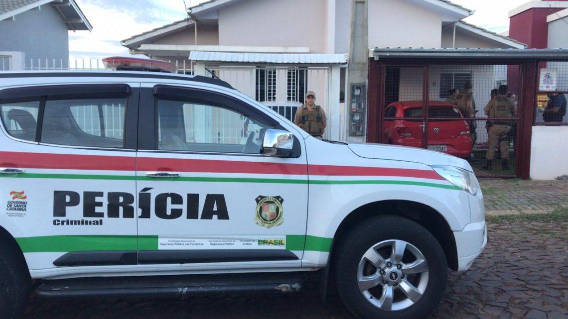 Pai mata o filho de dois anos, deixa avó ferida e comete suicídio no bairro Efapi em Chapecó