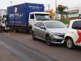 Grave engavetamento entre cinco veículos deixa motorista encarcerado com fraturas expostas na BR-480 em Chapecó