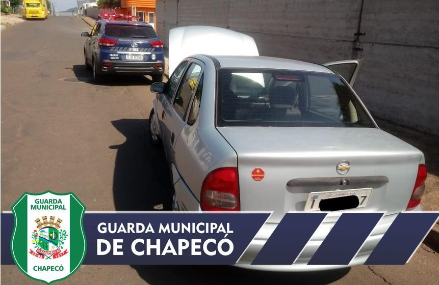 Guarda Municipal recupera carro e moto com registros de furto/roubo em Chapecó