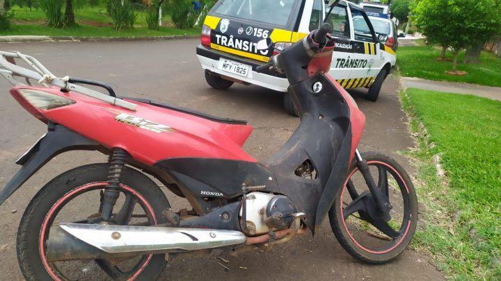 Agentes de trânsito recolhem moto com mais de 13 mil reais em débitos em Chapecó