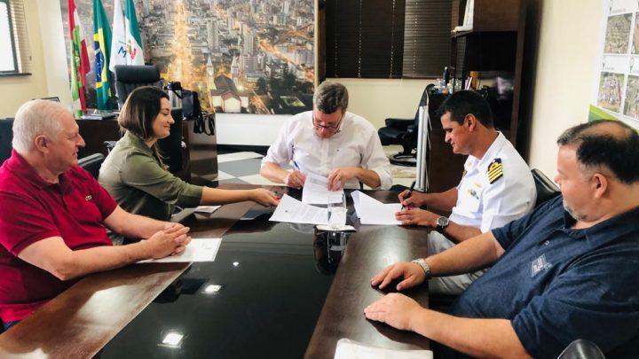 Prefeitura de Chapecó e Marinha do Brasil firmam acordo de cooperação