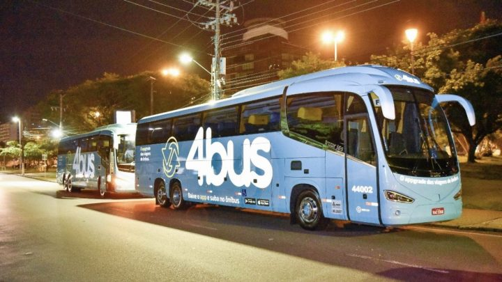 """Justiça proíbe linhas intermunicipais da 4Bus, a """"Uber dos ônibus"""" em SC"""