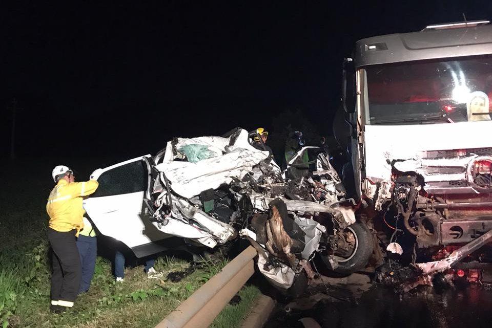 Três pessoas morrem em grave acidente no Oeste