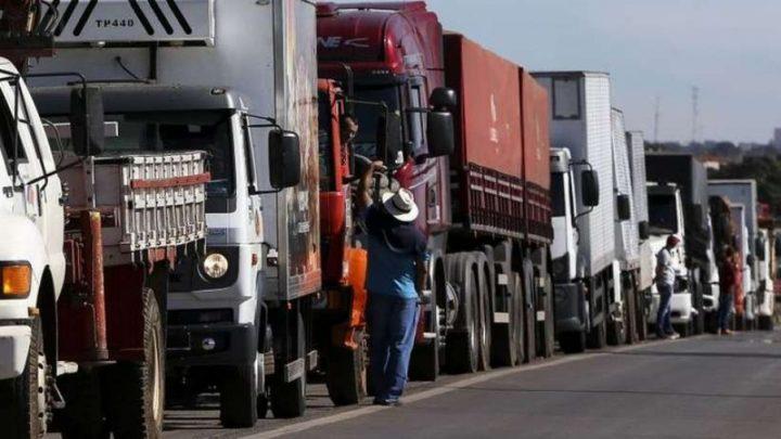 Nova greve dos caminhoneiros está marcada para esta quarta-feira (19)
