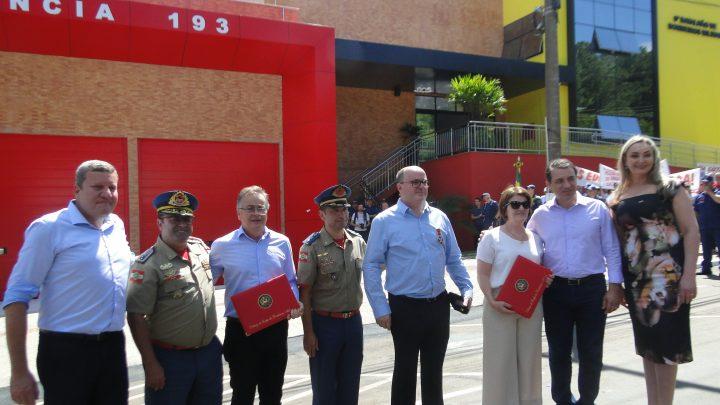 Corpo de Bombeiros Militar presta homenagem ao SITRAN e FETRANSLOG