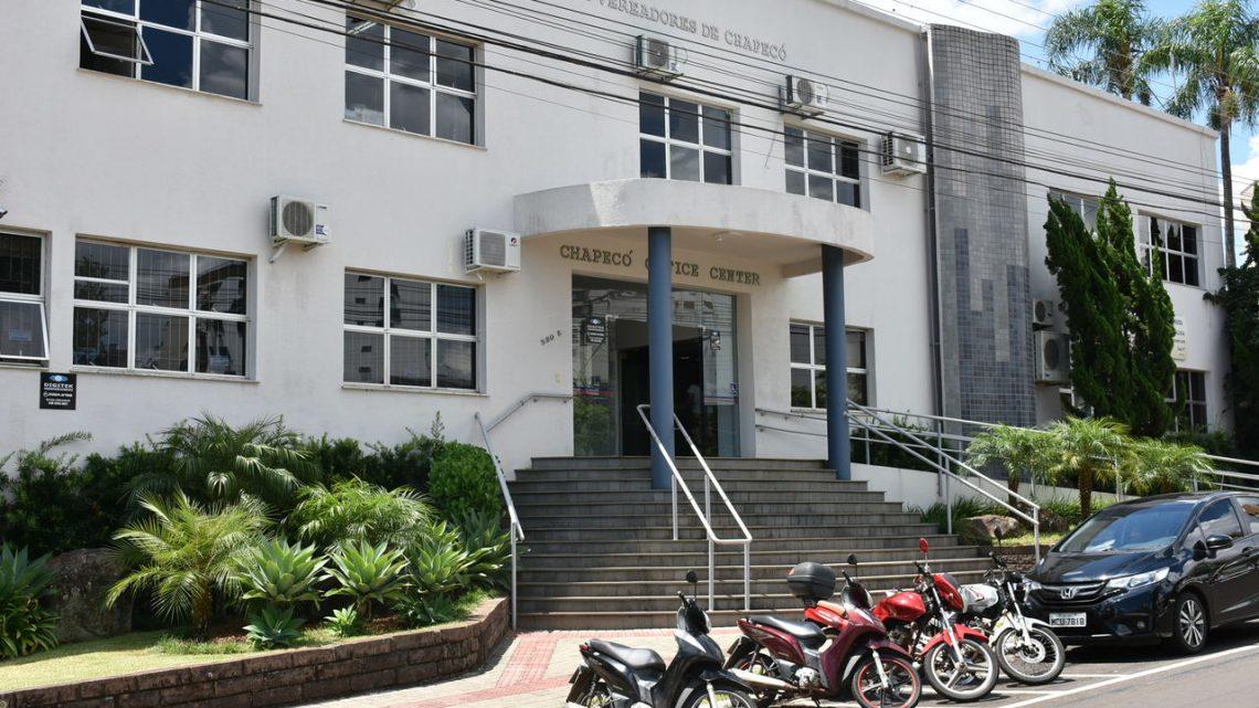 Vereadores de Chapecó aprovam reajuste para professores da educação básica