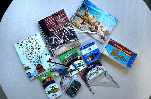 Kits de material escolar são entregues em todas as escolas da rede estadual