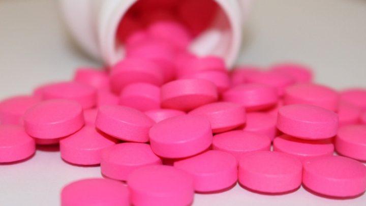 Ibuprofeno deve ser evitado em caso de coronavírus, diz entidade médica