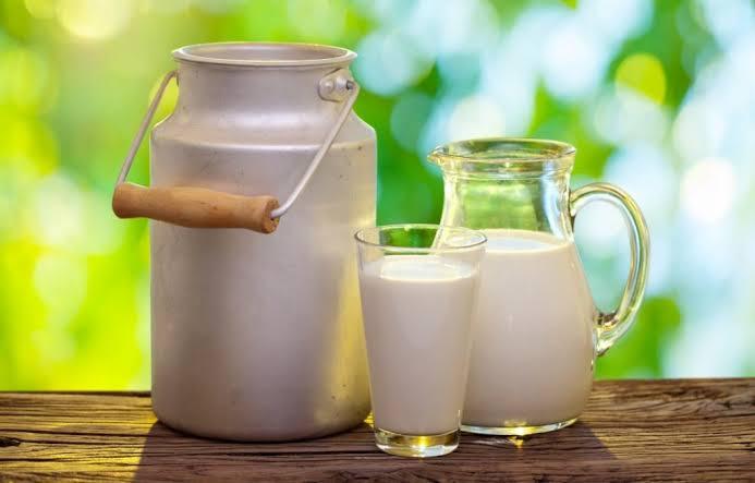 Procon notifica três indústrias em SC por aumento do preço do leite