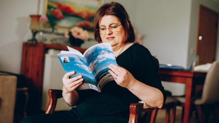 Chapecoense sobrevivente da meningite conta sua epopeia médica em livro