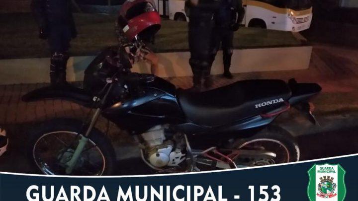 Homem é detido pela Guarda Municipal de posse de motocicleta furtada em Chapecó