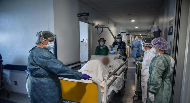 Itália tem mais curados do que novos casos de covid-19 pela 1ª vez