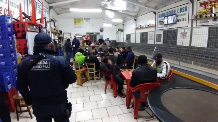 Guarda Municipal e vigilância sanitária realizam fiscalizações em Chapecó