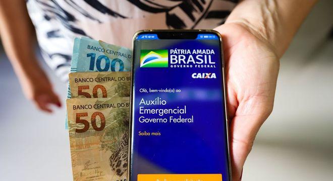 Caixa paga hoje novas parcelas do auxílio de R$ 600,00 a 8,8 milhões